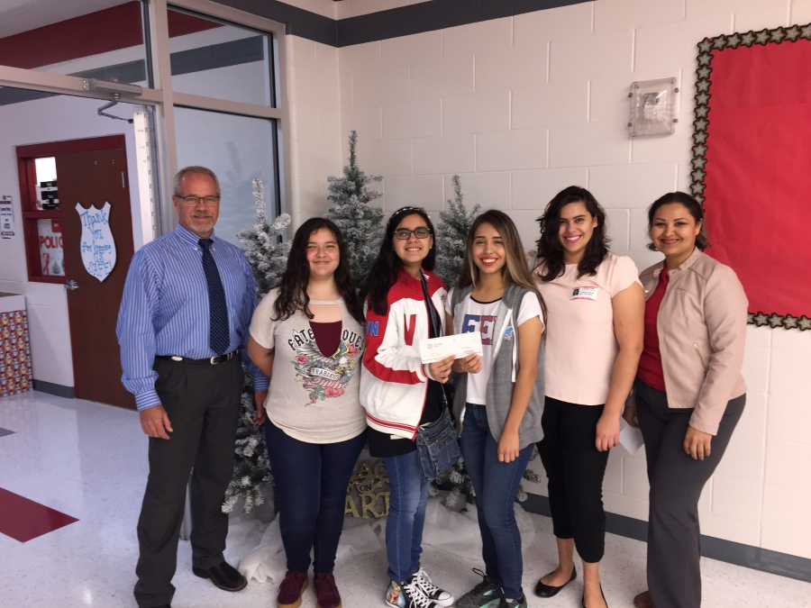 Photo (left to right): Maria Rangel, Mia Villarreal, D.D. Peña, Erin Cantu, Alexa Perez-Lara & Dana Billman.  (Back) Cristina Garza (Mission EDC Program Director)